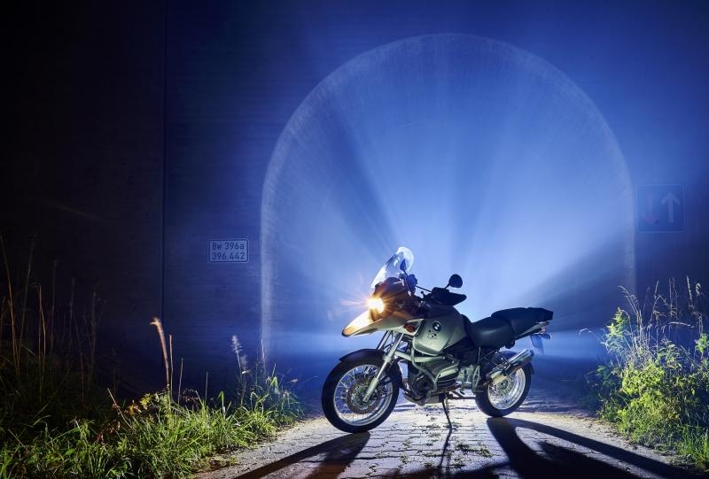 Motorrad_Lichtschein_01